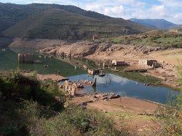 Pantanos de tierra y ruinas